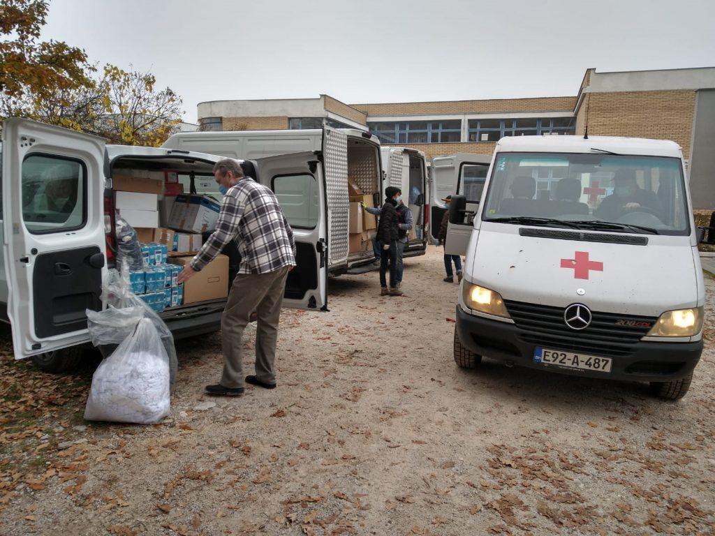 La carovana con gli aiuti umanitari era composta da 10 automezzi